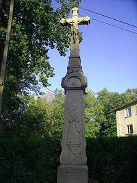Krzyż z czaszką w Kozach