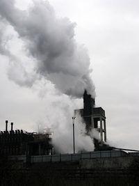 A fabryka dymi...