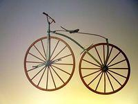 """Jakiś rower w """"pradawnych"""" czasach"""