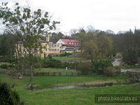 Ośrodek Naukowo-Dydaktyczny w Zielonce widziany z Arboretum.