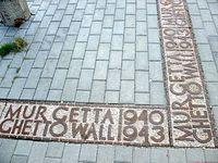 Tu stał mur Getta Warszawskiego