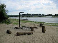 Grill plażowy nad Wisłą w poliżu Mostu Łazienkowskiego