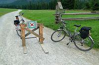 Po przejechaniu 4 km dalej rowerami jechać nie można, wielka szkoda