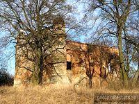 Ruiny kościoła w Biedrusku