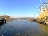 jezioro Regielskie. Zero wiatru i piękne bezchmurne niebo, szkoda że tak zimno