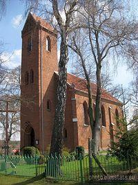 Ceglany kościół w Imielnie