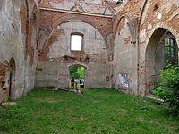 Opuszczony kościół w Biedrusku na poligonie