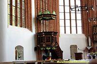 Ambona w kościele w Kołbaczu
