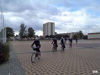 Grupa startuje w kierunku Fromborka