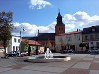 Rynek w Lipnie (w tle gotycki kościół Wniebowzięcia NMP)