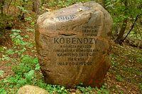 Pamiątkowy kamień przy Dębie Kobendzy