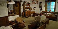 Dawna wieś sandomierska, wnętrze chaty - stała ekspozycja etnograficzna