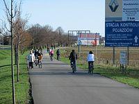 Ścieżka pieszo-rowerowa do Powsina