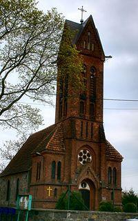 kościół w Świętem pw. św. Antoniego z Padwy, który został wzniesiony w XV przez joannitów.