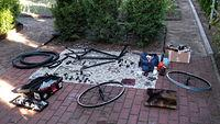Proste i spartańskie miejsce pracy przy rowerkach. Nie narzekam :)