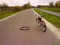 Stomil Zebra 26x1.75 na środku drogi... znalezione, nie kradzione ;)