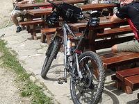 Dobrze wyposażony rower enduro