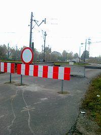 Zamknięty przejazd w Gołąbkach