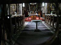 Przez dziurkę od klucza - kościół w środku ;)