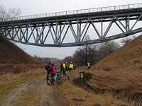 Most kolejowy nad rzeką Radunia - Niestępowo