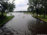 Jeden z wielu kanałów łączących mazurskie jeziora