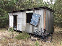 Opuszczone domki letniskowe w puszczy