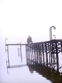 Wędkarz nad jeziorem nieopodal Rothenklempenow