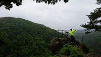 Czarcia ambona - koło Javornika - z rowerem