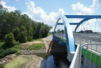 Na moście w pobliżu ujścia Jeziorki do Wisły
