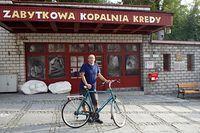 """Przed wejściem do muzeum """"Chełmskie Podziemia Kredowe"""""""