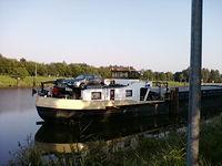 Auto na barce