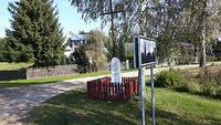 Przydrożny krzyż we wsi Brodki