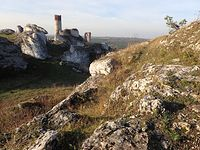 Skałki i ruiny zamku