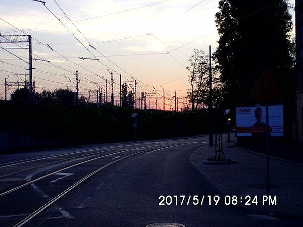 Zachód słońca nad stacją w Chorzowie Batorym