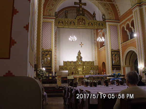 wnętrze kościoła pod wezwaniem Matki Boskiej Różańcowej w Chropaczowie